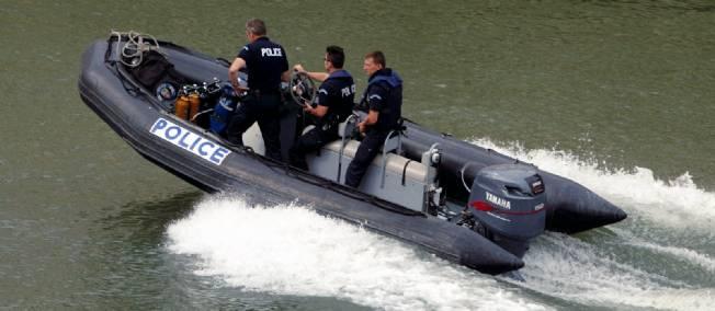 La brigade fluviale pr fecture de police de paris infos 75 - Prefecture de police porte de clignancourt ...