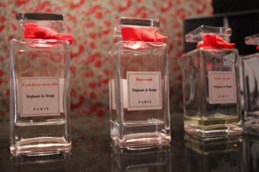 parfum sur mesure 24 infos 75. Black Bedroom Furniture Sets. Home Design Ideas