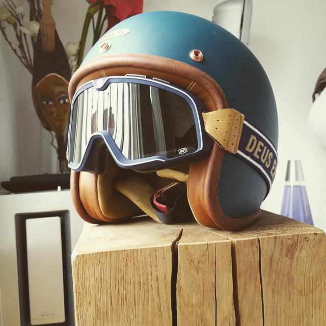 assurance moto retour des beaux jours quelles protections pour les motards fran ais infos 75. Black Bedroom Furniture Sets. Home Design Ideas