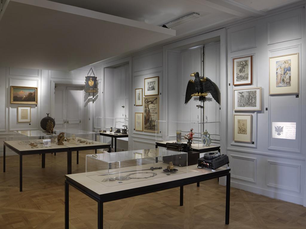 exposition marcel broodthaers ouvre son cabinet de curiosit la monnaie de paris infos 75. Black Bedroom Furniture Sets. Home Design Ideas