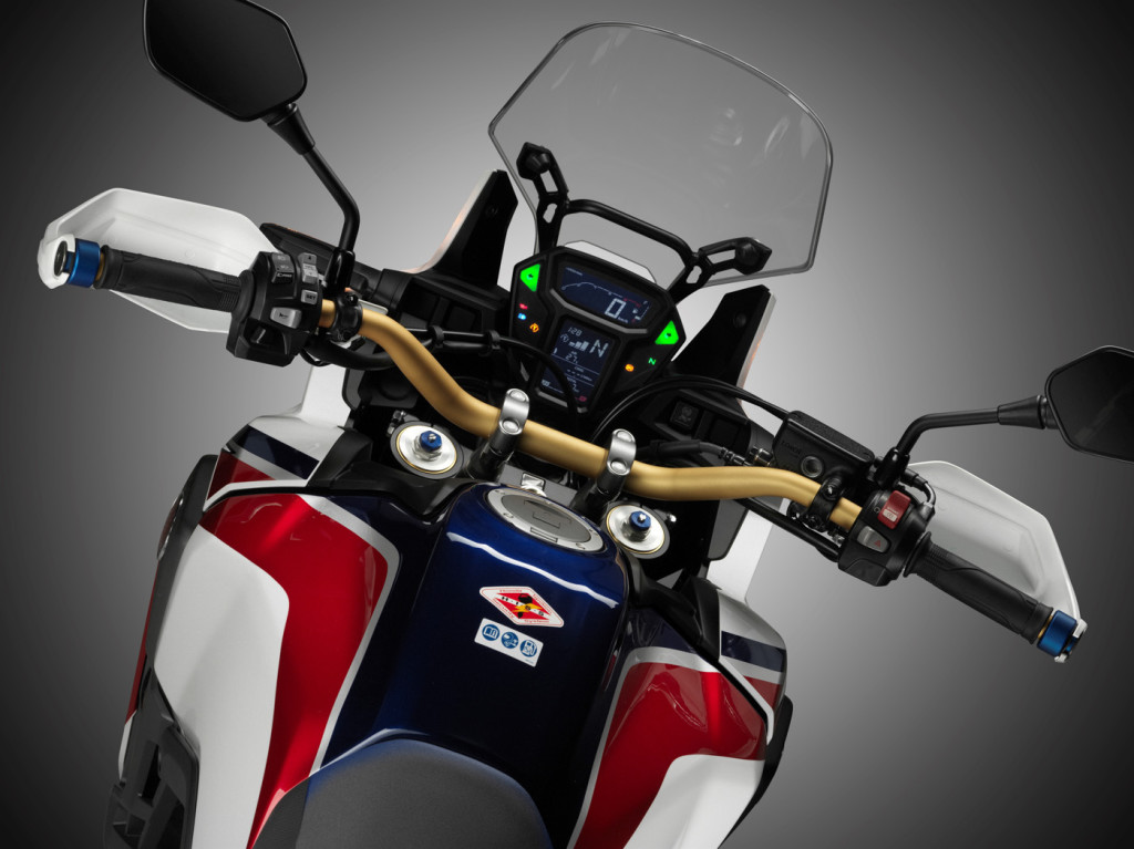 honda crf 1000 africa twin 2016 infos 75. Black Bedroom Furniture Sets. Home Design Ideas