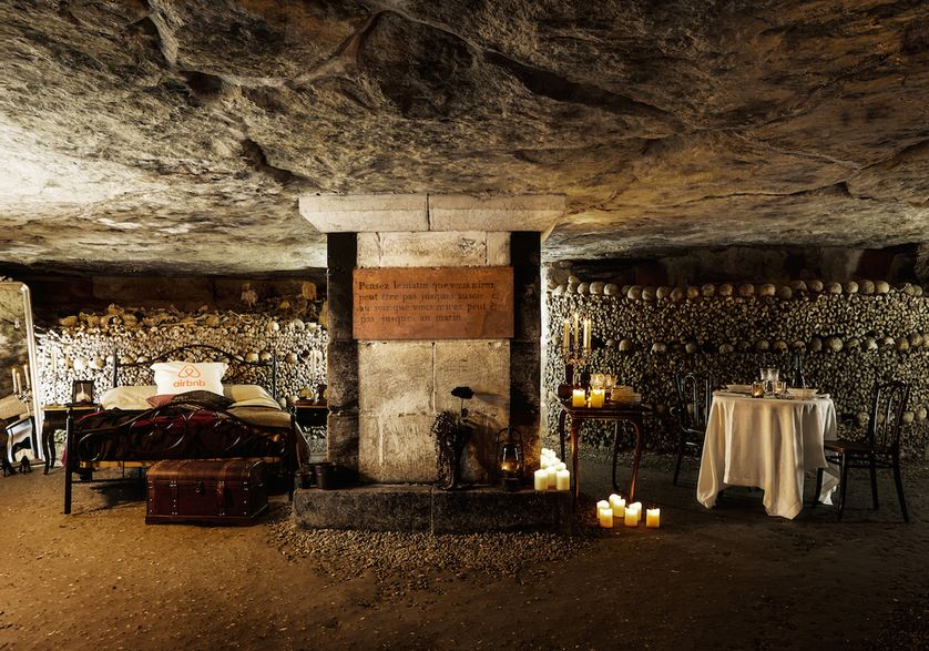 insolite airbnb propose une nuit dans les catacombes infos 75. Black Bedroom Furniture Sets. Home Design Ideas