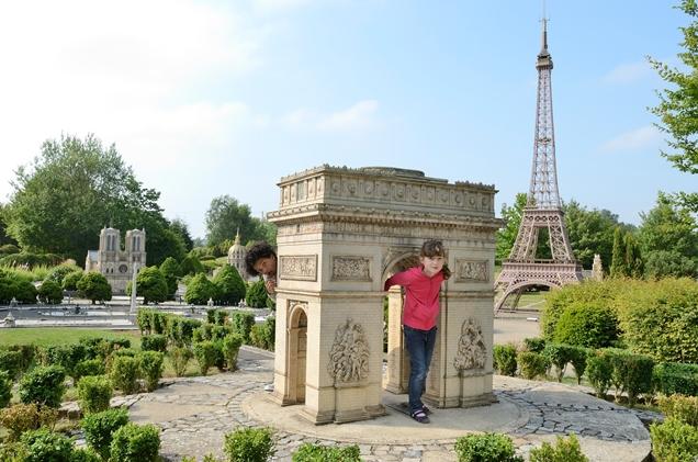 france miniature le plus grand parc de miniatures d europe infos 75. Black Bedroom Furniture Sets. Home Design Ideas