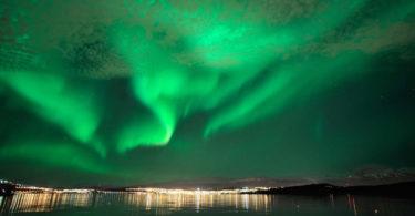 northern-lights-tromso-northern-norway_2-1_e332e9cf-154d-4b87-af8b-47c7cc8da70c