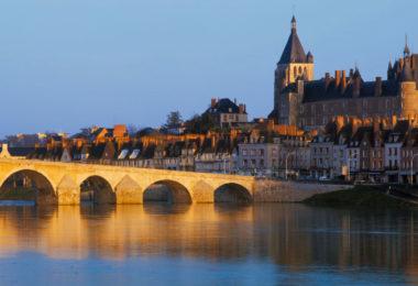 3364-france-Loiret-Vue-de-Gien-depuis-la-rive-gauche-de-la-Loire-panorama-sentucq.h