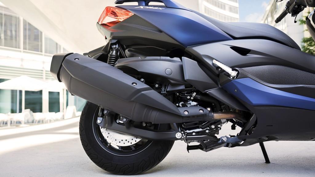 2018-Yamaha-X-MAX-400-EU-Phantom-Blue-Detail-003