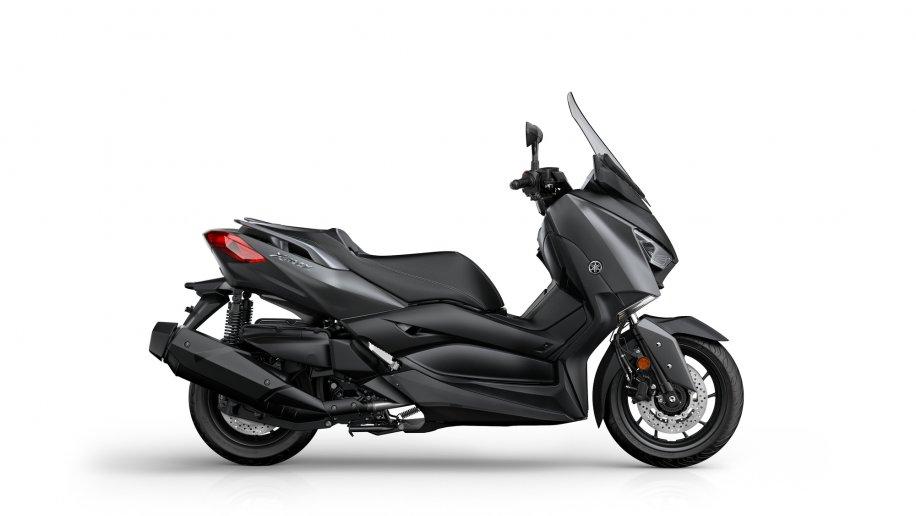 2018-Yamaha-X-MAX-400-EU-Sonic-Grey-Studio-002-6575d