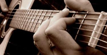 pincer-cordes-guitare