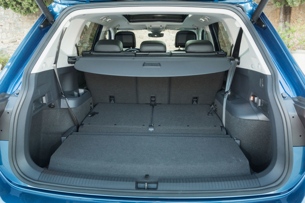 volkswagen tiguan allspace 7 places en version. Black Bedroom Furniture Sets. Home Design Ideas