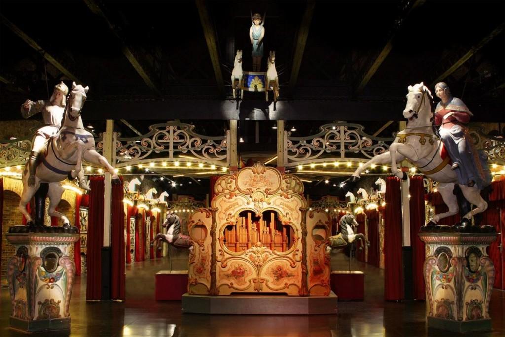 Orgue Hooguy's dans le MusÇe des Arts Forains (c) Pavillons de Bercy